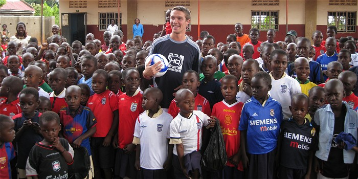 Matthew Houghton with Ugandan Children